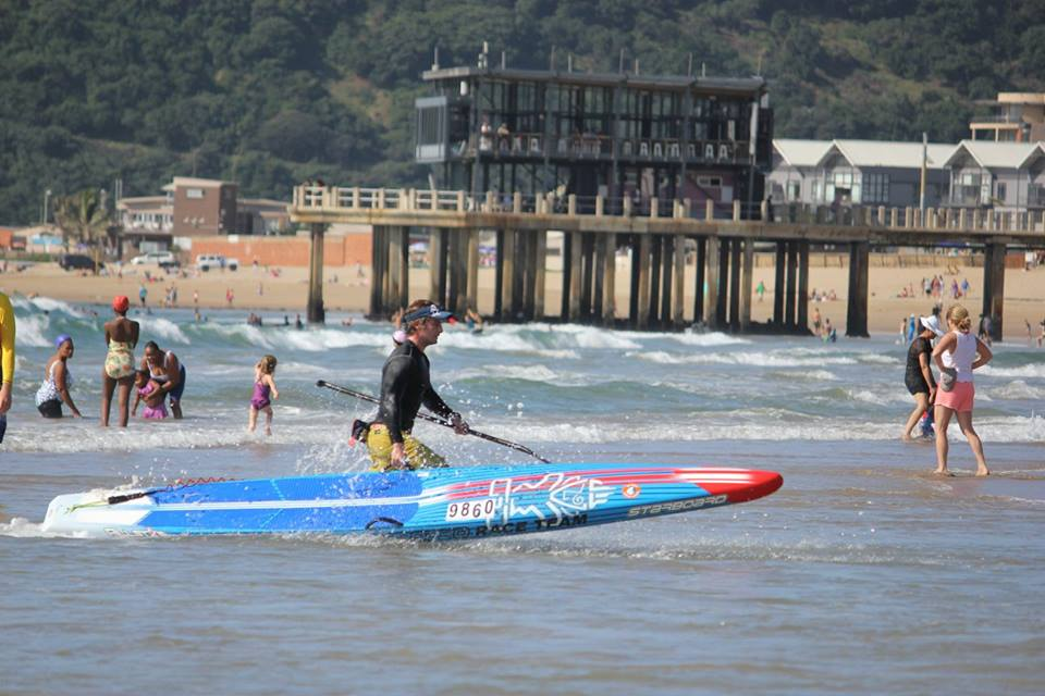 chris couve king of the bay sup race 2016